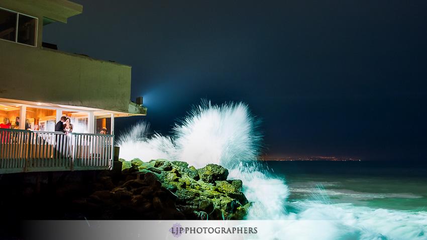 31-beach-wedding-photographer-wedding-decor
