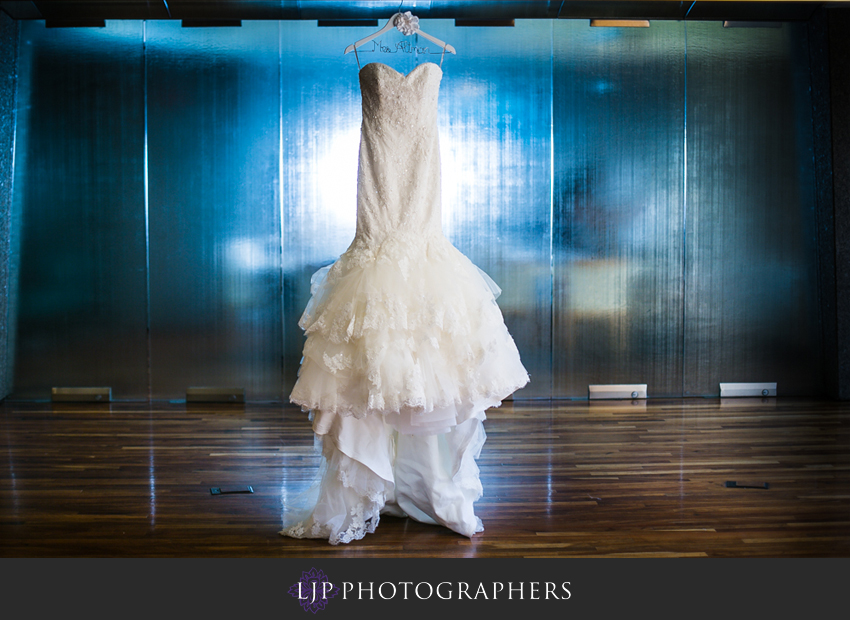 01-seven-degrees-wedding-photographer-wedding-dress