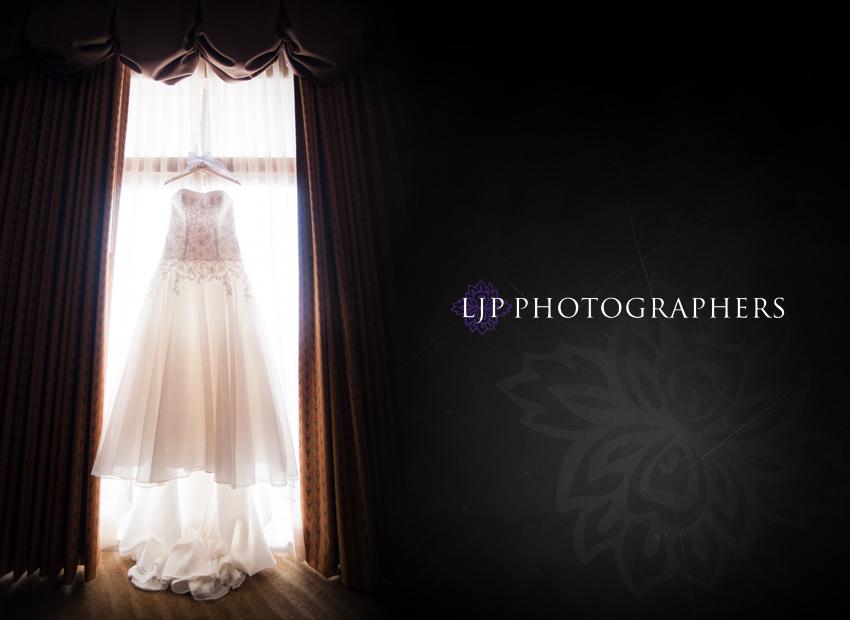 01-summit-fullerton-wedding-photographer-wedding-dress