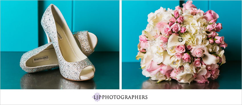 02-seven-degrees-wedding-photographer-wedding-bouquet