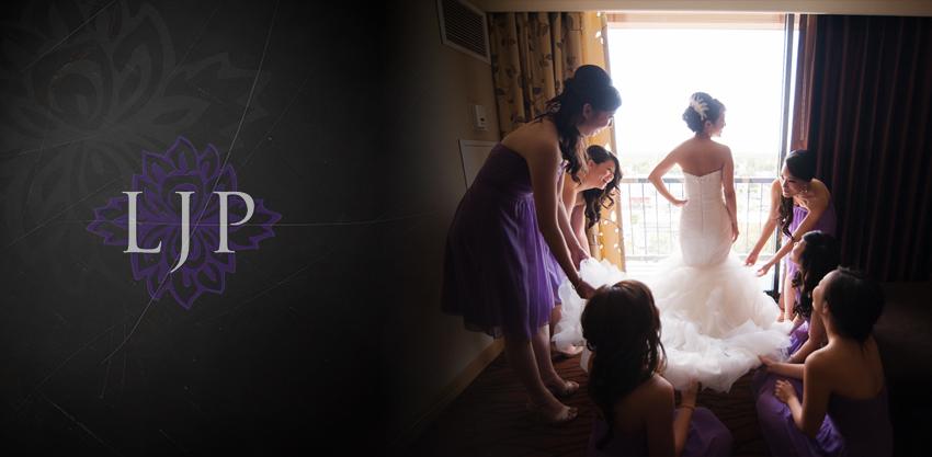 03-crossline-community-church-wedding-photographer-bride-getting-ready