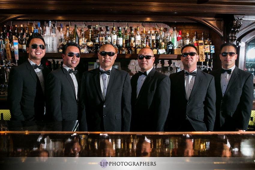 04-summit-house-fullerton-wedding-photographer-groomsmen