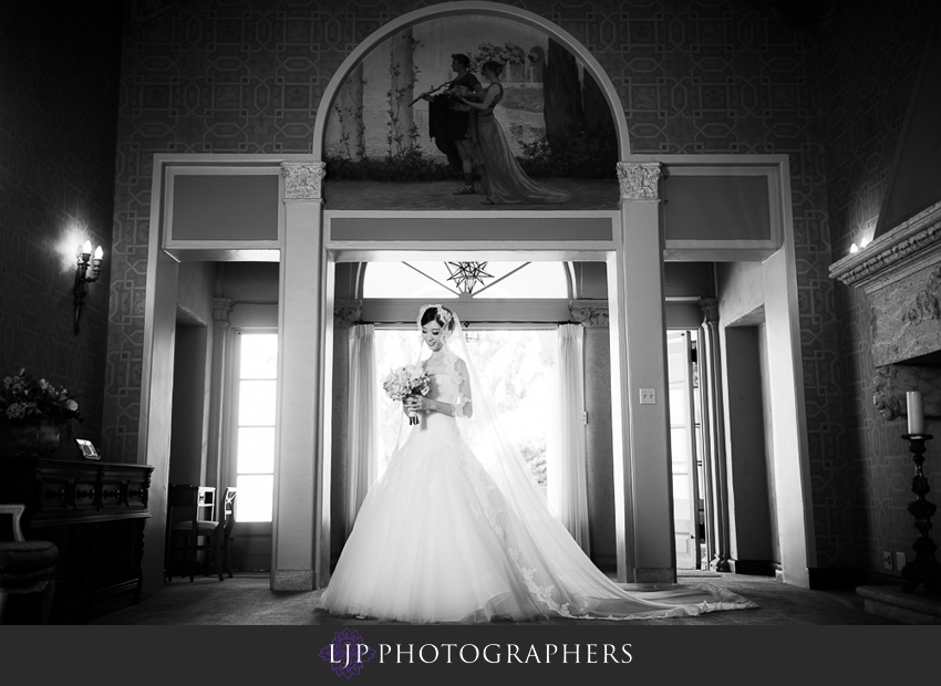 04-the-neighborhood-church-palos-verdes-wedding-photographer-bridal-portrait