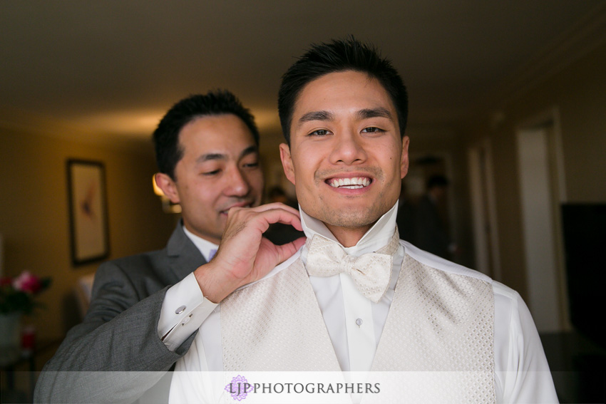 05-crossline-community-church-wedding-photographer-groom-portrait