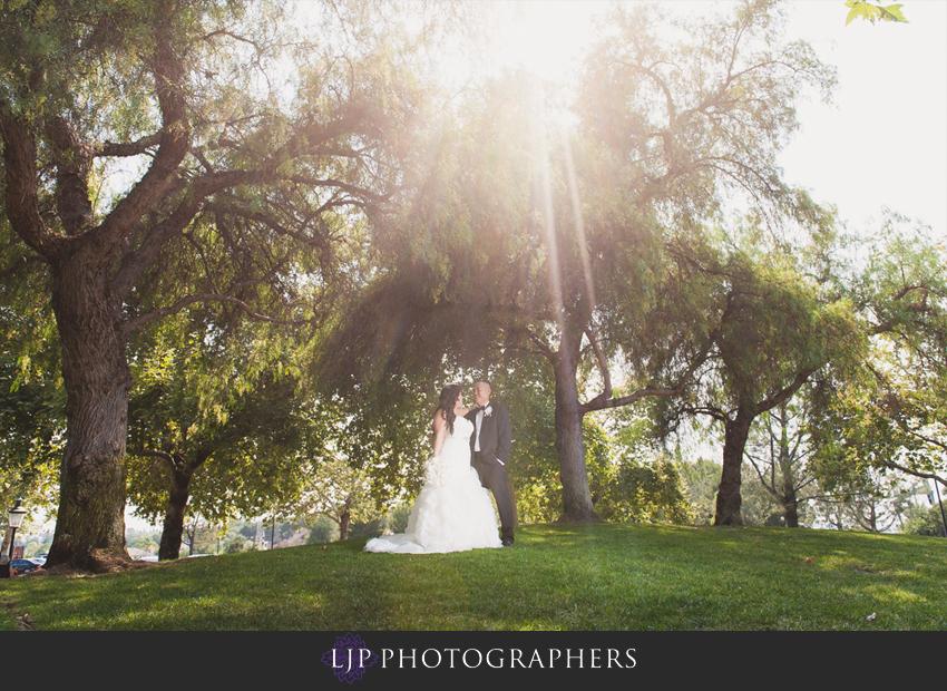 07-summit-house-fullerton-wedding-photographer-couple-session