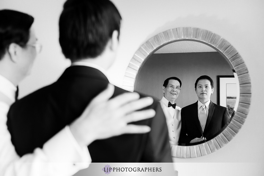 07-the-neighborhood-church-palos-verdes-wedding-photographer-groom-portrait