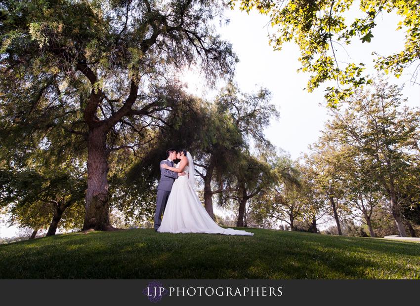 08-summit-fullerton-wedding-photographer-bride-and-groom-photos