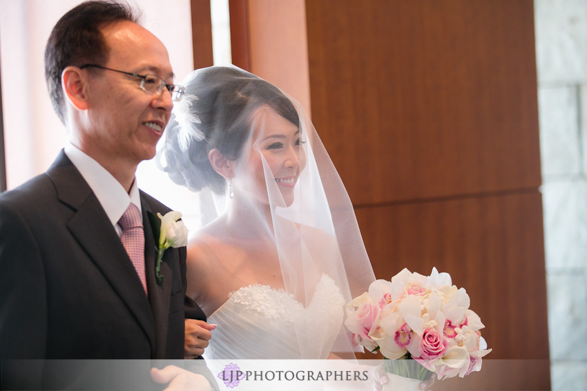 09-crossline-community-church-wedding-photographer-wedding-ceremony