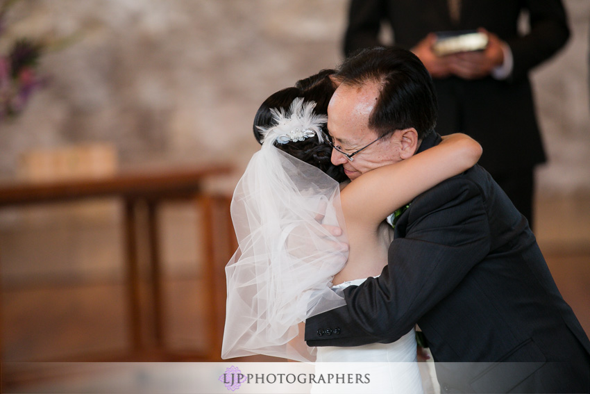 10-crossline-community-church-wedding-photographer-wedding-ceremony