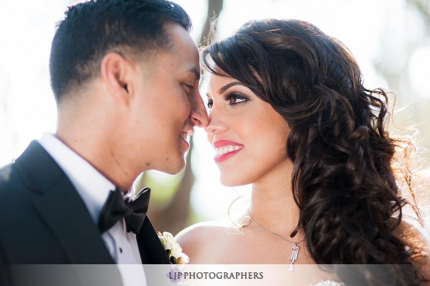 11-padua-hills-theater-wedding-photographer-bride-and-groom-portrait