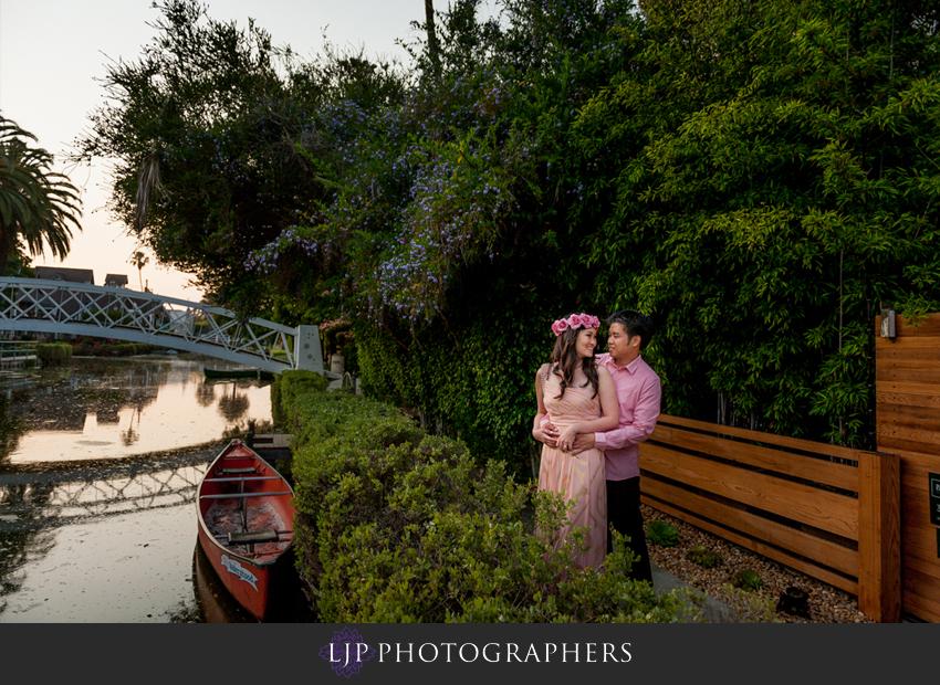12-venice-canals-engagement-photographer