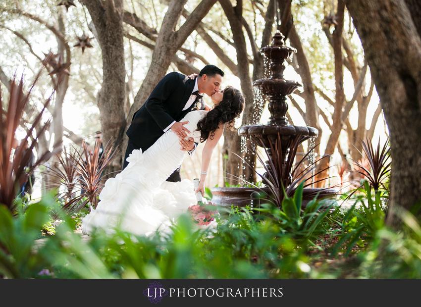 14-padua-hills-theater-wedding-photographer-bride-and-groom-portrait