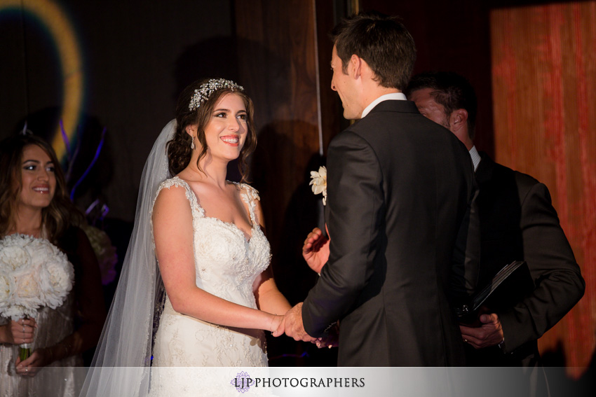 15-anqi-bistro-wedding-photographer-wedding-decor