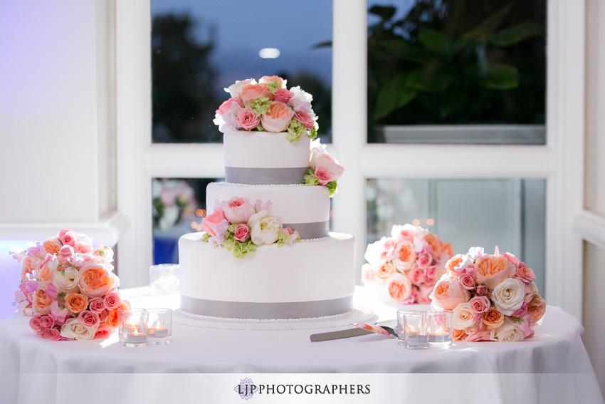 15-summit-fullerton-wedding-photographer-wedding-cake