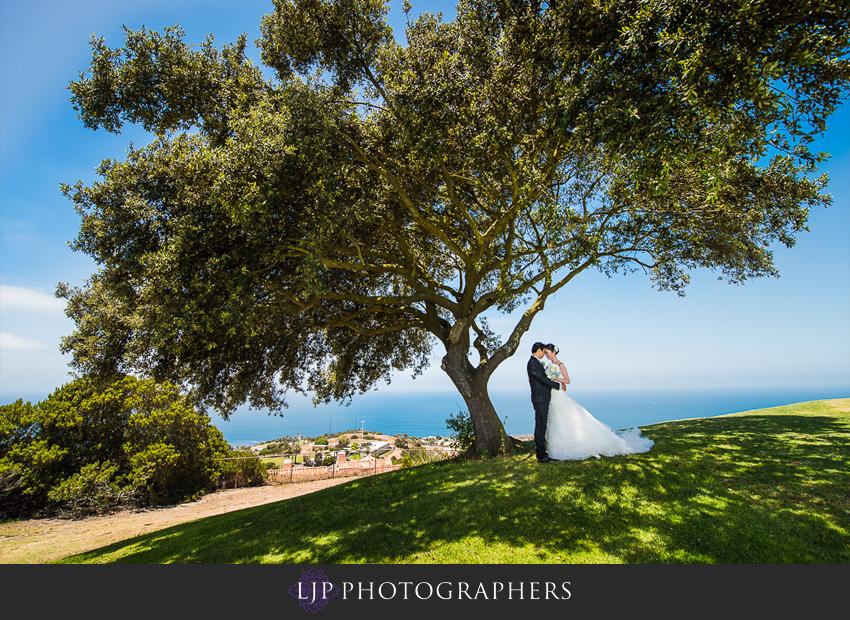 17-the-neighborhood-church-palos-verdes-wedding-photographer-couple-session-photos