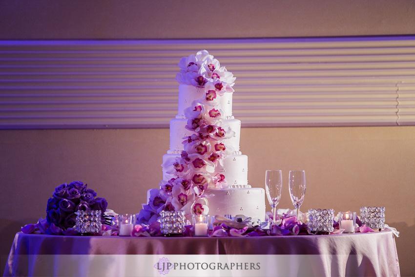 21-crossline-community-church-wedding-photographer-wedding-cake