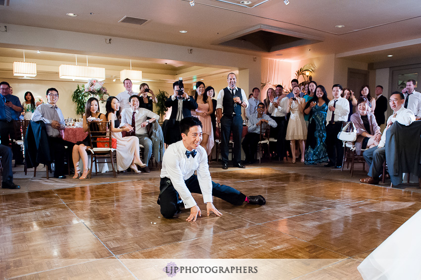 25-turnip-rose-promenade-and-gardens-wedding-photographer-garter-toss