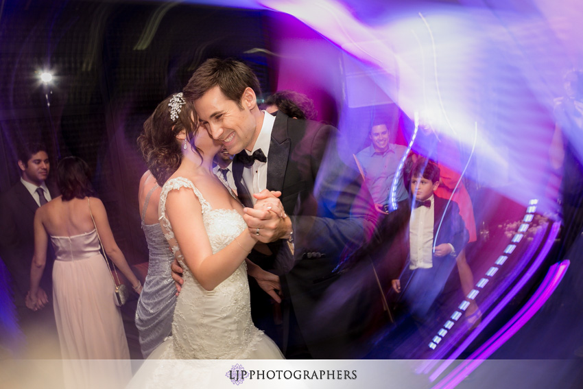 26-anqi-bistro-wedding-photographer-dancing