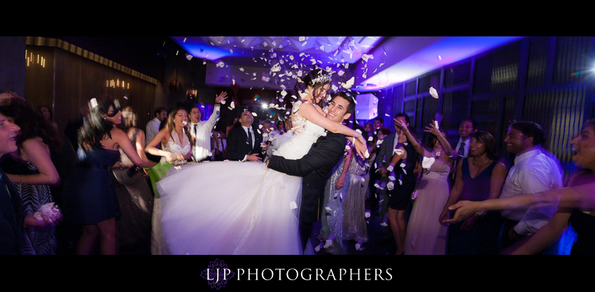 27-anqi-bistro-wedding-photographer-dancing