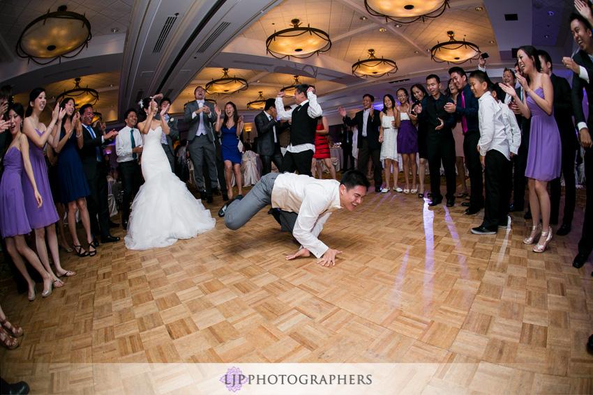 29-crossline-community-church-wedding-photographer-dancing