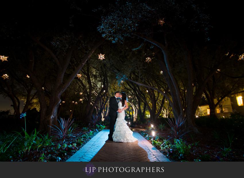 29-padua-hills-theater-wedding-photographer-bride-and-groom-photos