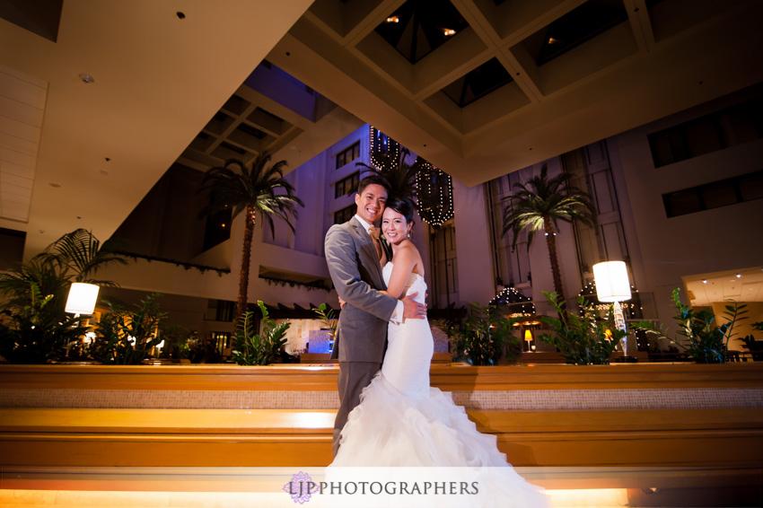 30-crossline-community-church-wedding-photographer-bride-and-groom-portrait