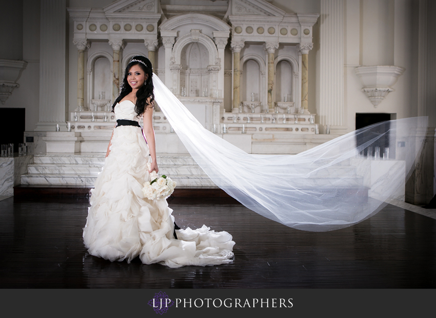 05-cathedral-of-our-lady-of-the-angels-vibiana-los-angeles-wedding-photographer
