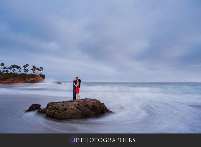 09-beautiful-sunset-engagement-photos