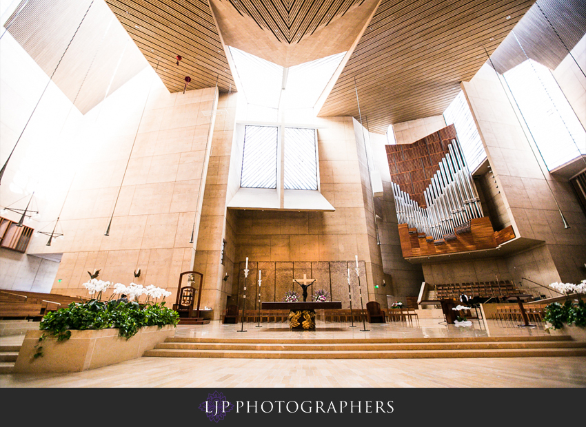10-cathedral-of-our-lady-of-the-angels-vibiana-los-angeles-wedding-photographer