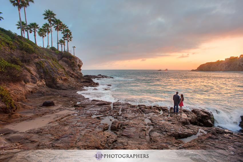 12-beautiful-sunset-engagement-photos