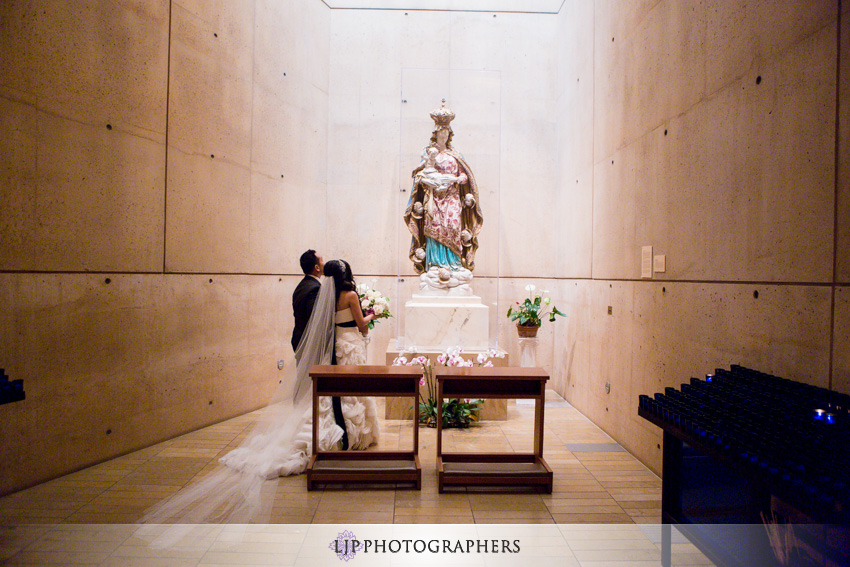 16-cathedral-of-our-lady-of-the-angels-vibiana-los-angeles-wedding-photographer