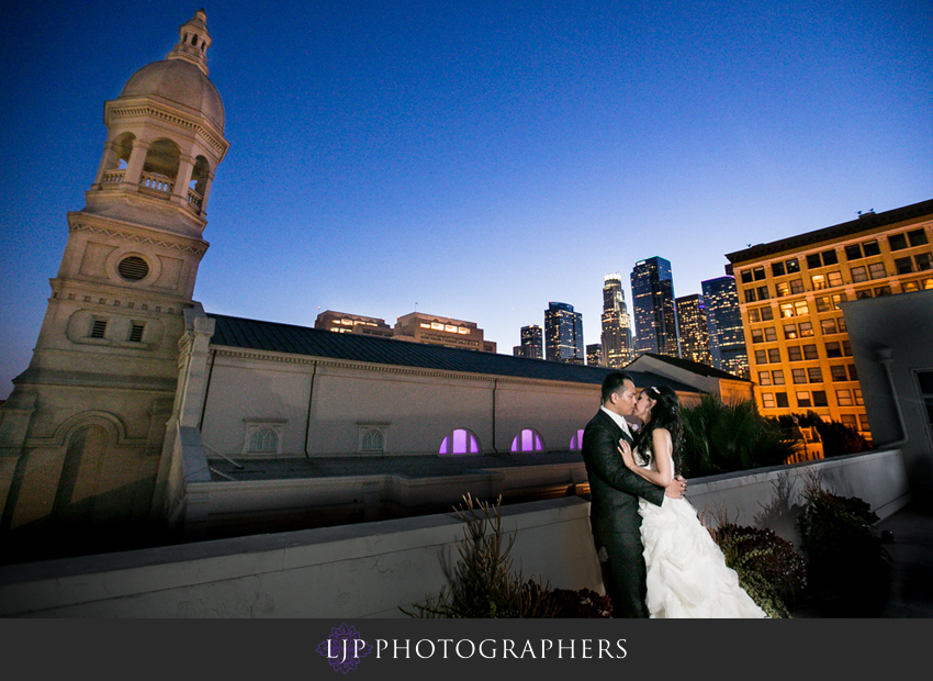 25-cathedral-of-our-lady-of-the-angels-vibiana-los-angeles-wedding-photographer