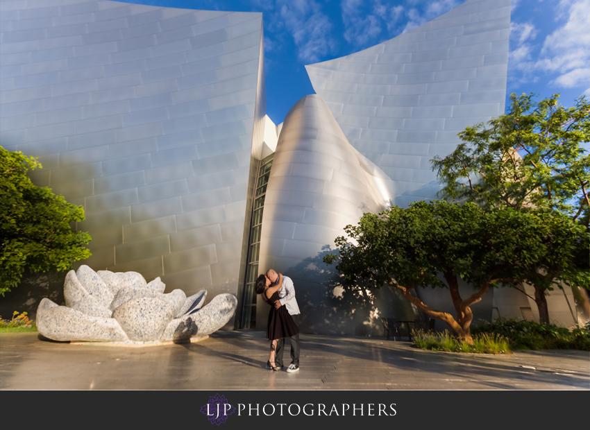03-walt-disney-concert-hall-engagement-photography