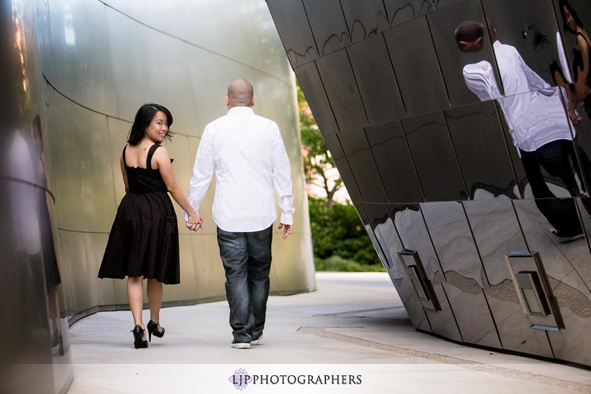 05-walt-disney-concert-hall-engagement-photography