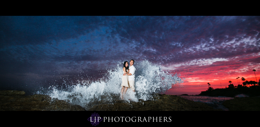 08-beautiful-sunset-beach-engagement-photography