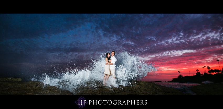 08-beautiful-sunset-beach-engagement-photography
