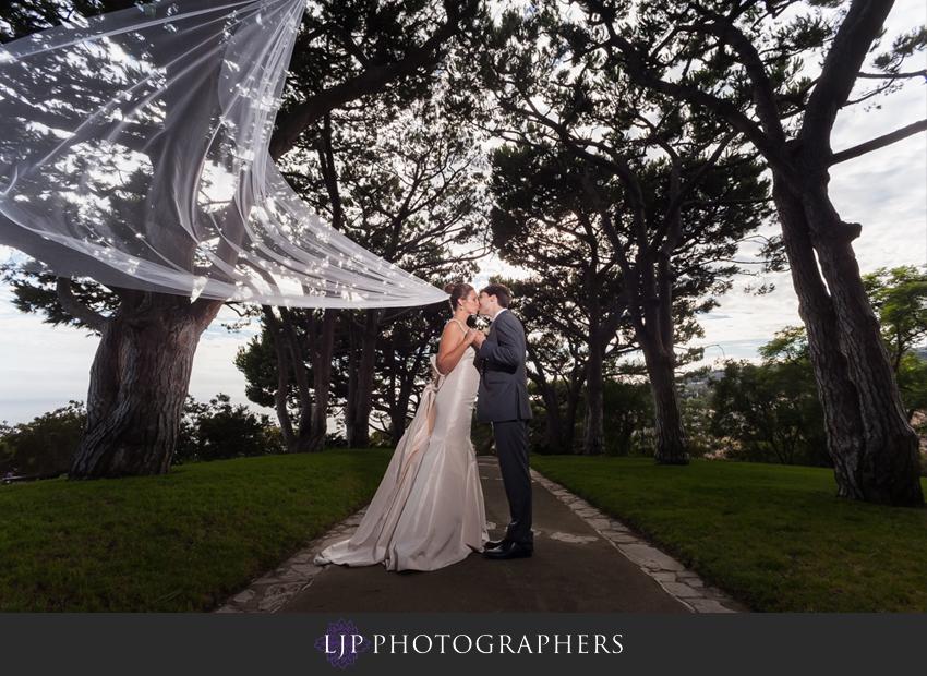 08-redondo-beach-historic-library-wedding-photography