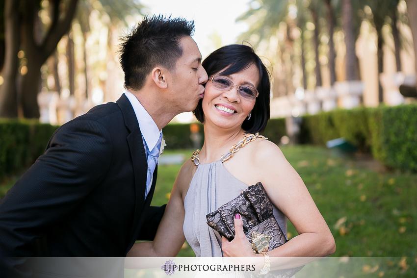 05-hyatt-regency-orange-county-wedding-photographer