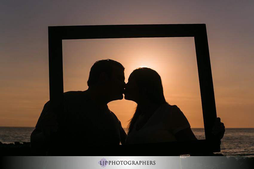 10-romantic-orange-county-engagement-photos
