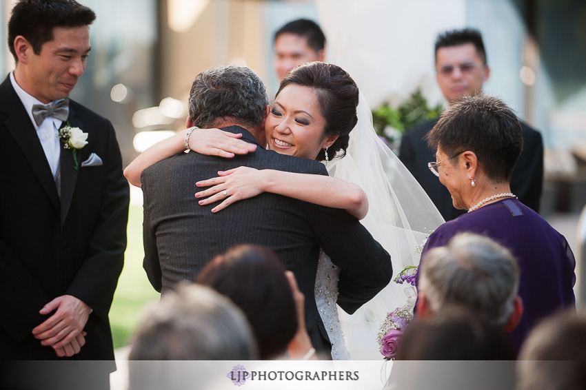 13-doubletree-by-hilton-pasadena-wedding-photogrpahy