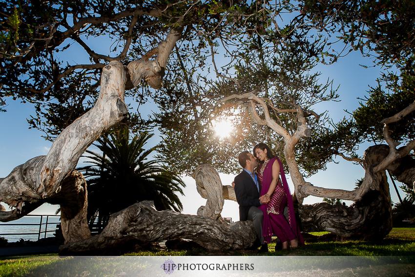 01-laguna-beach-engagement-session-pictures
