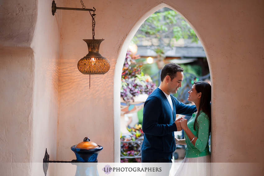 02-magical-engagement-session-pictures