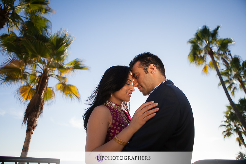 03-laguna-beach-engagement-session-pictures