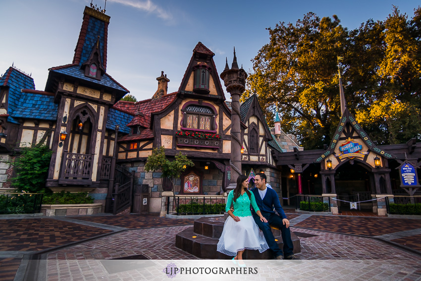 03-magical-engagement-session-pictures