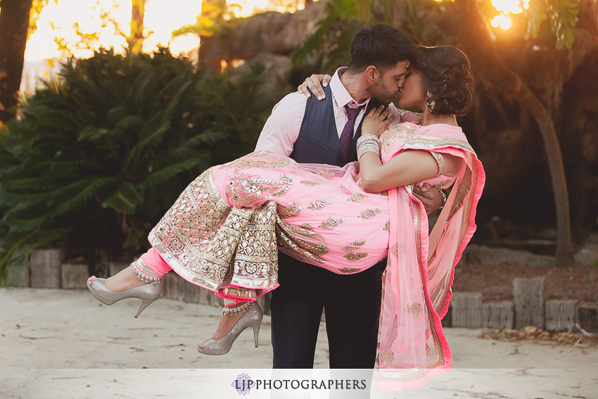 04-royal-golf-course-indian-engagement-party-photographer