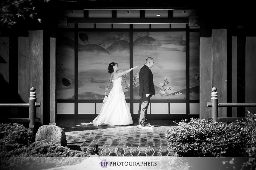 06-yamashiro-restaurant-hollywood-wedding-photographer