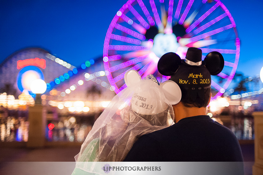 08-magical-engagement-session-pictures