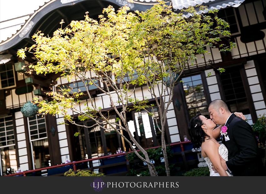 10-yamashiro-restaurant-hollywood-wedding-photographer