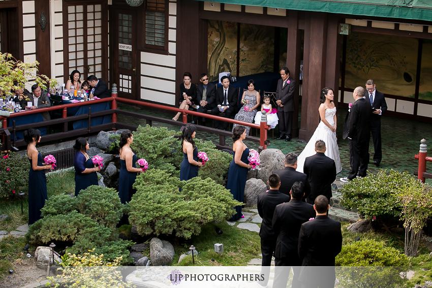 17-yamashiro-restaurant-hollywood-wedding-photographer