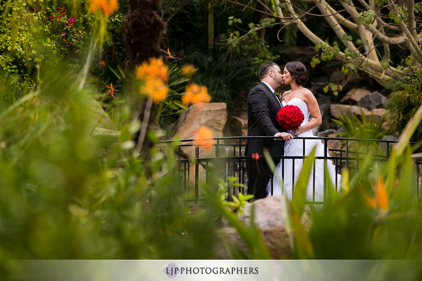 12-grand-tradition-estate-and-gardens-fallbrook-wedding-photographer